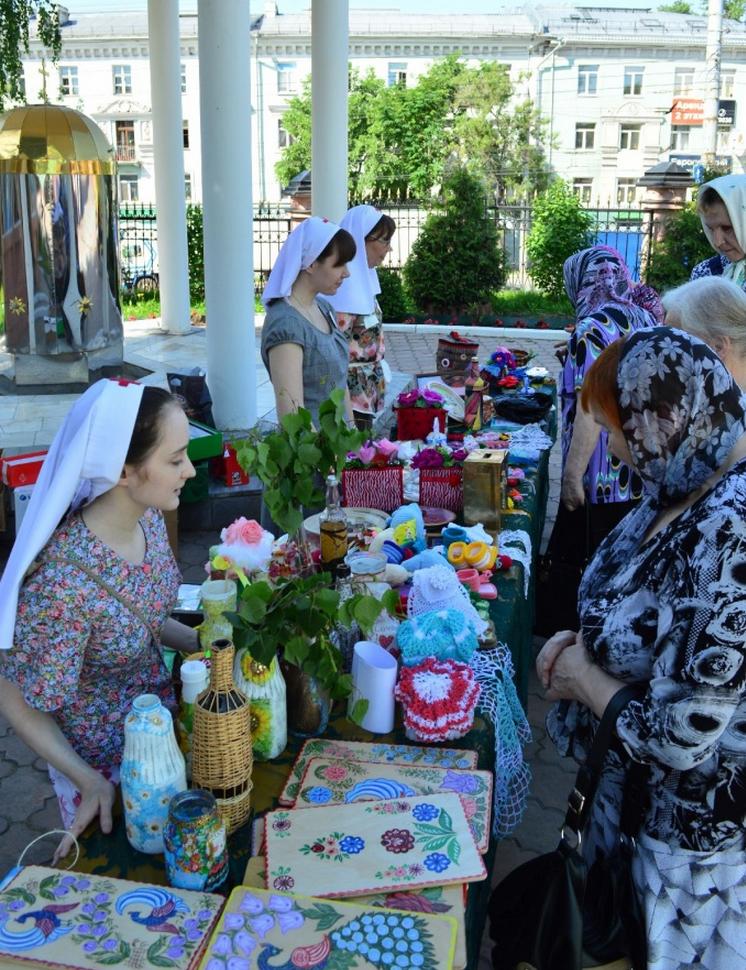 Благотворительная ярмарка в честь праздника Пятидесятницы