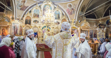 В праздник Преображения Господня митрополит Викторин совершил Литургию в Преображенском храме г. Воткинска
