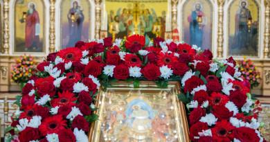 Пасхальные богослужения в кафедральном соборе Александра Невского