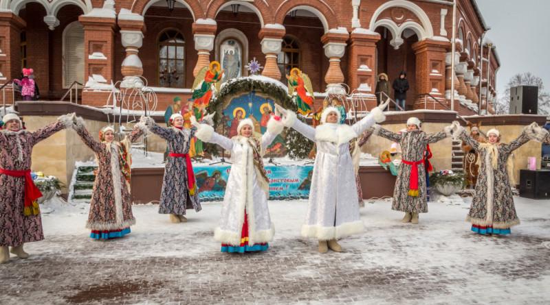 В Ижевске прошли Рождественские народные гуляния