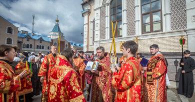 Вторник Светлой Седмицы – литургия в храме Иверской иконы Пресвятой Богородицы