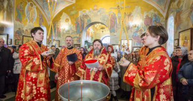 В пятницу Светлой Седмицы правящий архиерей помолился в Алексеевском храме г. Ижевска