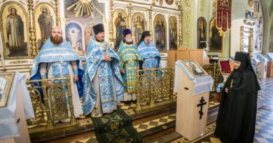 Престольный праздник Ризоположенского монастыря