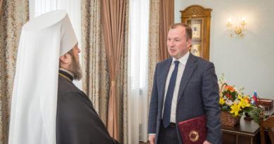 Главу митрополии поздравил руководитель Администрации Главы и Правительства УР