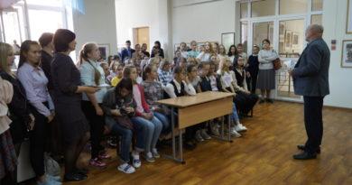 """В Школе искусств №9 открылась выставка работ учащихся """"Свет Православия"""""""
