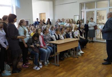 В Школе искусств №9 открылась выставка работ учащихся «Свет Православия»