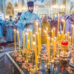 В Покровскую родительскую субботу митр. Викторин совершил литургию в кафедральном храме