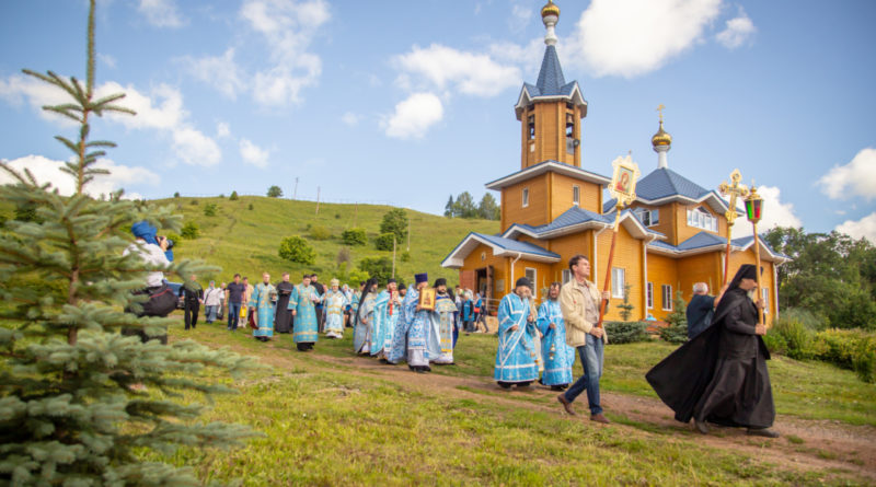 Митрополит Викторин посетил монашескую общину в ур. Паздеры