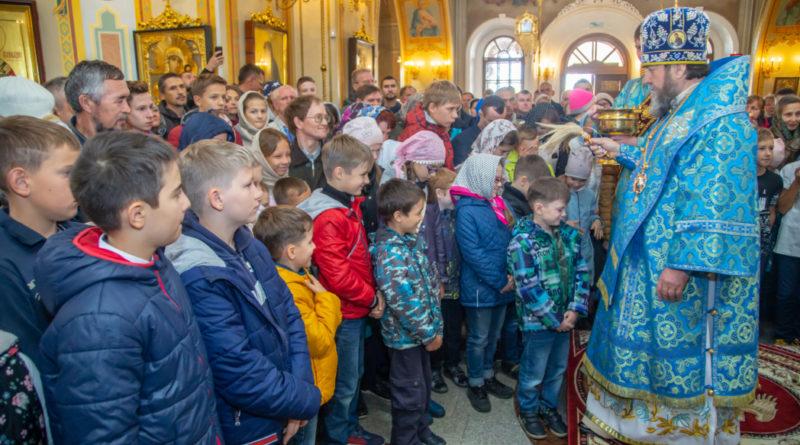 Митрополит Викторин благословил учащих и учащихся в День знаний