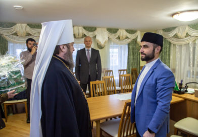 Митрополит Викторин поздравил муфтия Удмуртии Фаиза-хазрата Мухамедшина с юбилеем