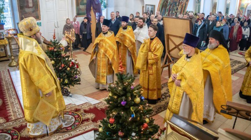 Митрополит Викторин посетил приход с. Завьялово