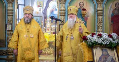 Митрополит Викторин поздравил с 65-летием епископа Глазовского Виктора