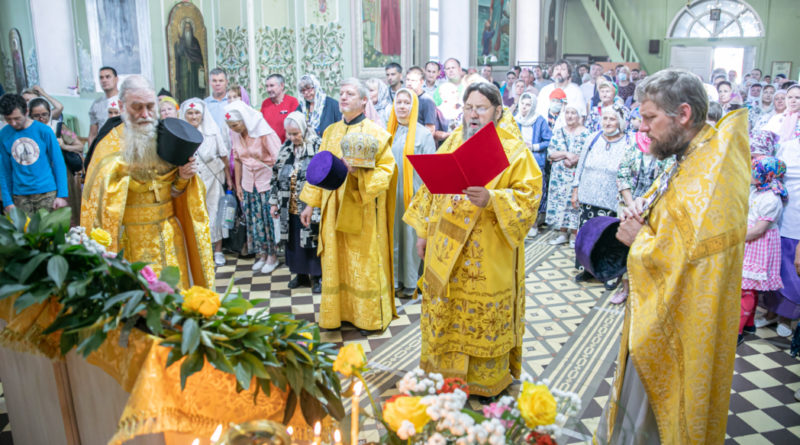 Служение архипастыря на праздник святых апостолов Петра и Павла