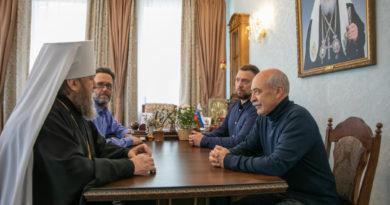 Митрополит Викторин встретился с руководителем Международного школьного шахматного союза А.Н. Костьевым