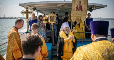 Водный крестный ход по акватории Ижевского пруда